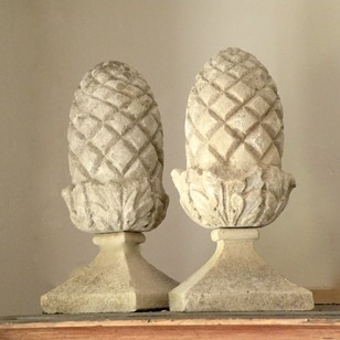 Small pair carved pineapple finials