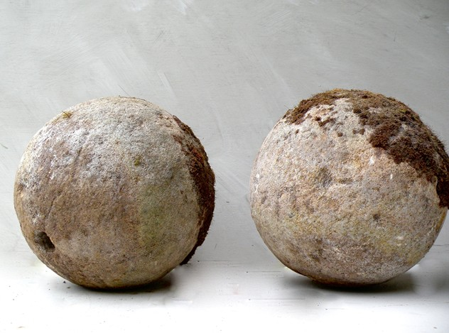 Pair of 18C carved bath stone balls -mountain-cow-DSCN8400 (1)_main_636434862254251115.jpg