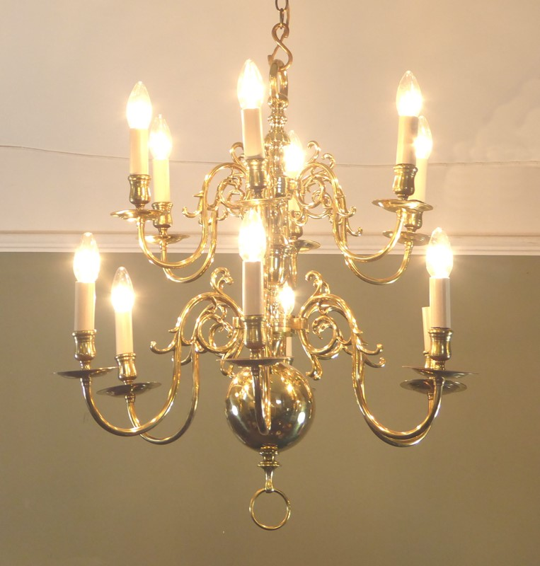 19th c brass centre light-mytton-antiques-CHAN7-main-636762535314737296.JPG