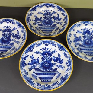 Set of 4 late 18th century Delft dishes