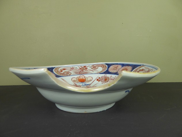 An 18th c imari shaving bowl -mytton-antiques-P1010453_main_636392625369977001.JPG