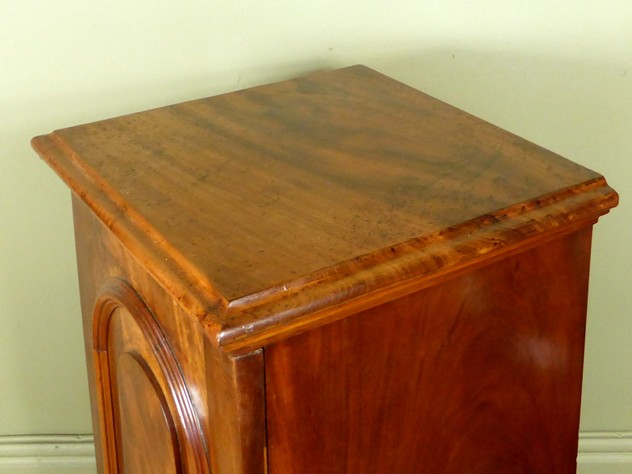 Mahogany side cabinet-mytton-antiques-cabinet2_main_636244819988019182.JPG
