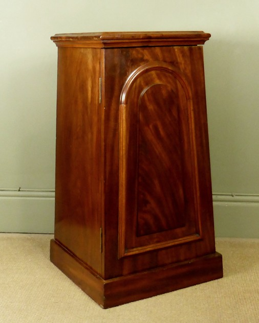 Mahogany side cabinet-mytton-antiques-cabinet3_main_636244820016880107.JPG