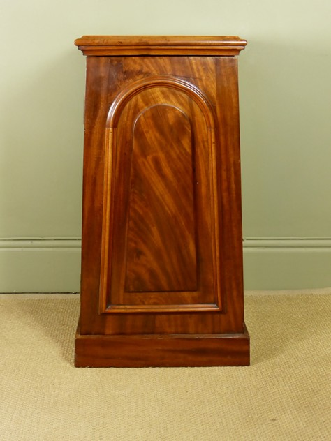Mahogany side cabinet-mytton-antiques-cabinet5_main_636244820130607752.JPG