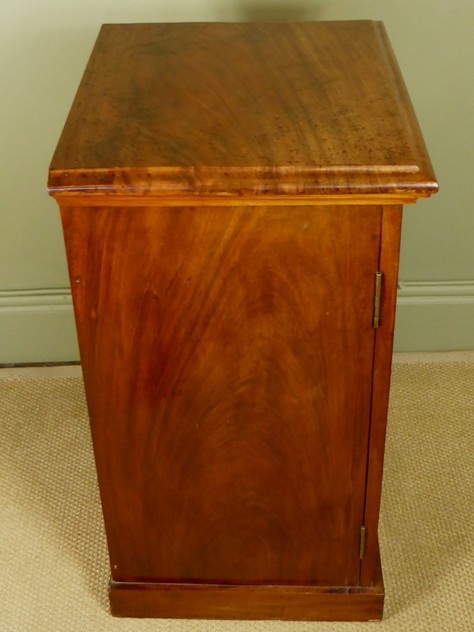 Mahogany side cabinet-mytton-antiques-cabinet6_main_636244820169140987.JPG