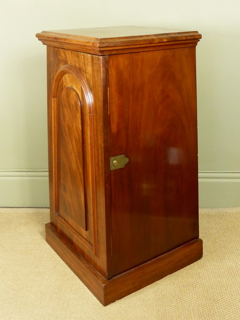 Mahogany side cabinet-mytton-antiques-cabinet_main_636244819952450042.JPG