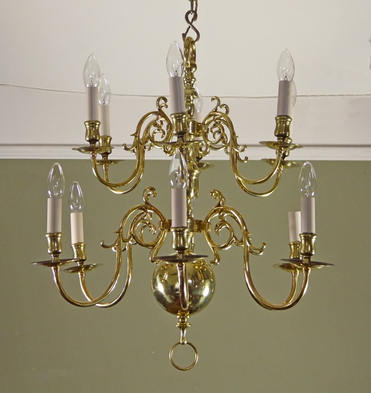 19th c brass centre light-mytton-antiques-chan6-main-636762521698150096.JPG