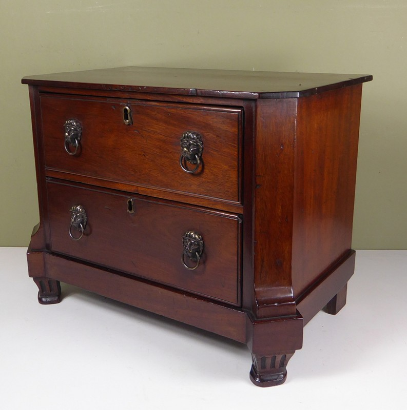 18th C Miniature Commode-mytton-antiques-chest1-main-636637292025673436.JPG