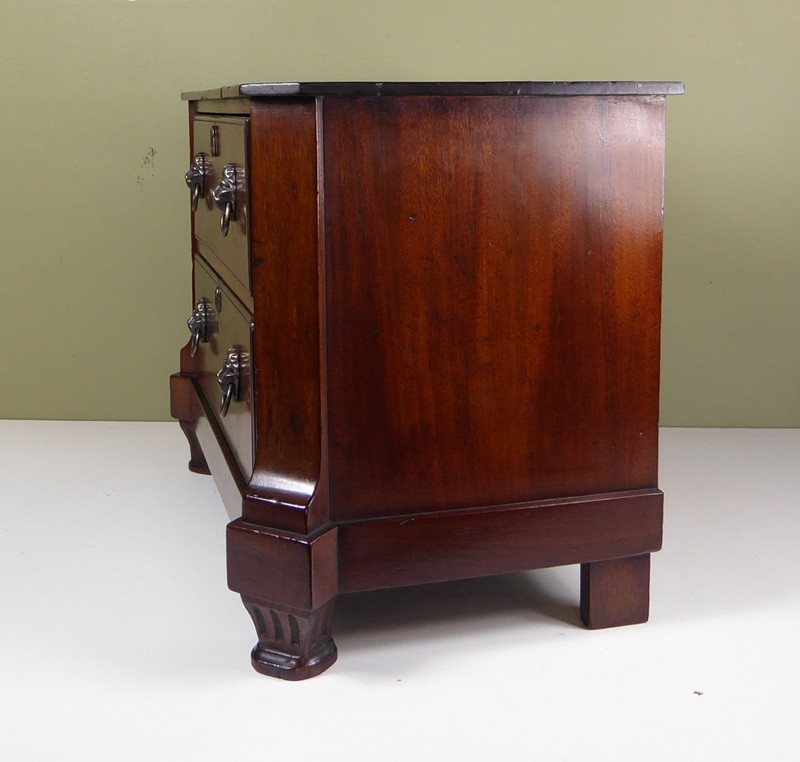 18th C Miniature Commode-mytton-antiques-chest3-main-636637292053598868.JPG