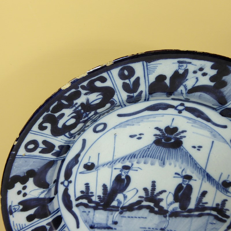 Pair of early delft chargers c 1700-mytton-antiques-pair1-main-637315384901851489.JPG