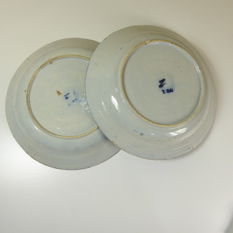 Pair of early delft chargers c 1700-mytton-antiques-pair5-main-637315384966070254.JPG