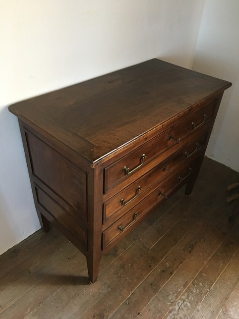 18 th century walnut commode-nicholas-exham-IMG_2159_main_636333973407241655.JPG
