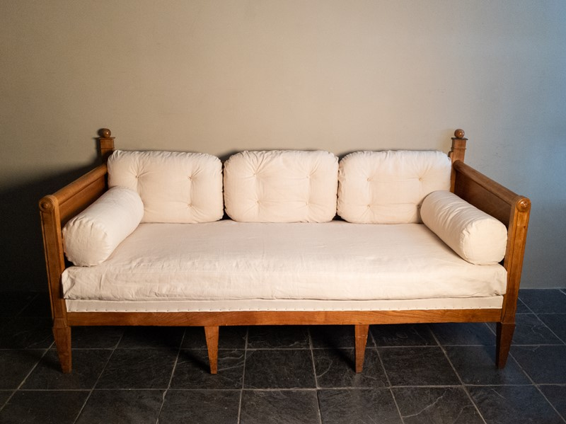 An Early 19th Century French Fruitwood Daybed Sofa-nick-jones-img-20200524-112154-main-637294549371917936.jpg