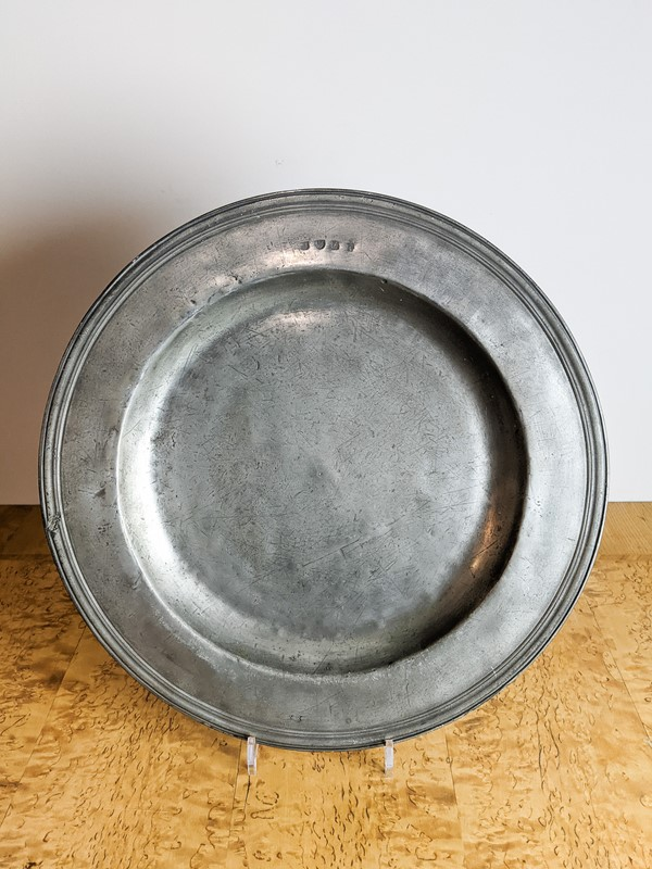 C1800 A Large Pewter Charger-nick-jones-untitled-072-main-637463221790948237.jpg