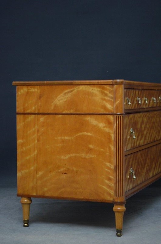 Late 19th Century English Chest of Drawers in Sati-nimbus-antiques-16-main-637393889597564102.jpg