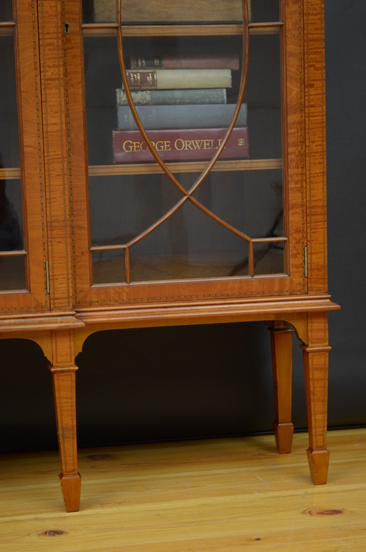 Edwardian Satinwood Display Cabinet  Bookcase-nimbus-antiques-21-main-637444127382854070.jpg