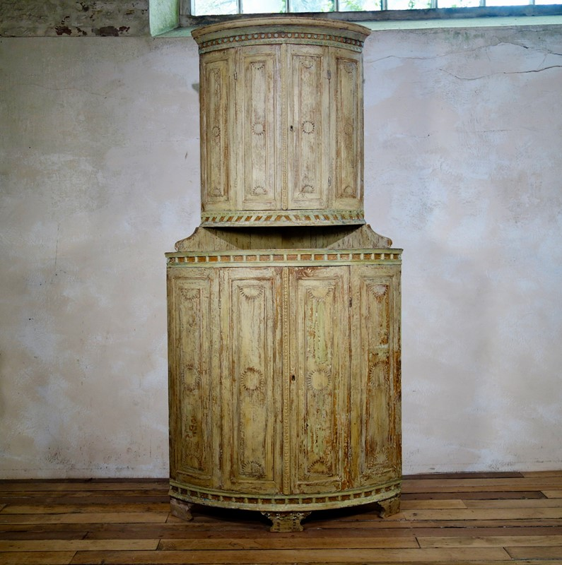 Exceptional 18th C Painted Swedish Corner Cupboard-pappilon-fullsizeoutput-246a-main-636928462550173202.jpeg