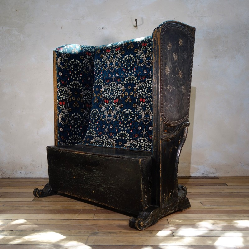 A 19th Cent Continental Leather Upholstered Settle-pappilon-fullsizeoutput-2988-main-636976569618792500.jpeg