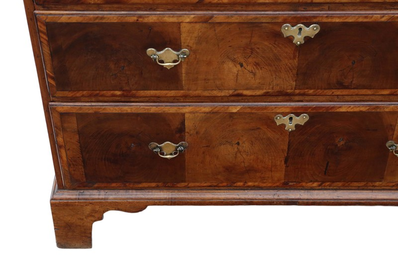 Georgian oyster walnut fruitwood chest of drawers-prior-willis-antiques-7718-5-main-637421826927087042.jpg