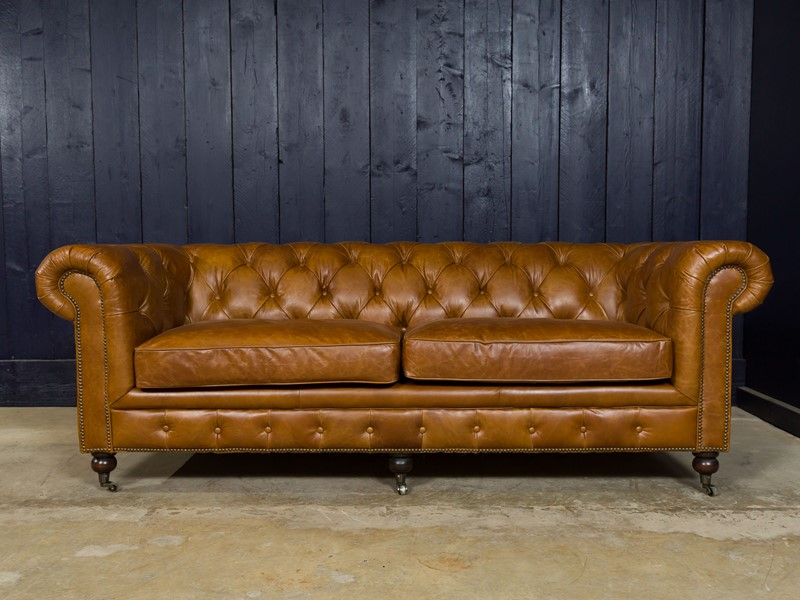 3 Seater Chesterfield Sofa-pure-white-lines-pwl-190504---img-0289-main-636933577169697368.jpg