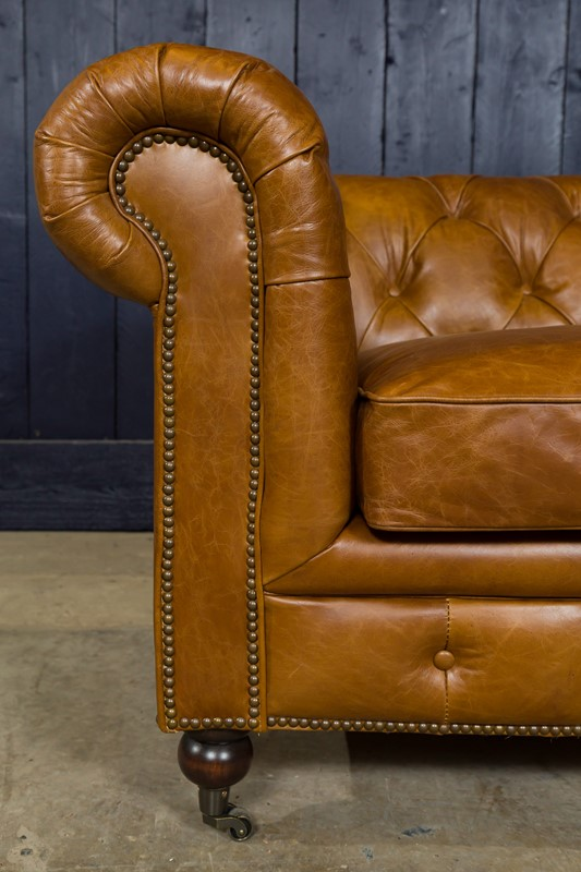 3 Seater Chesterfield Sofa-pure-white-lines-pwl-190504---img-0291-main-636933577422508034.jpg