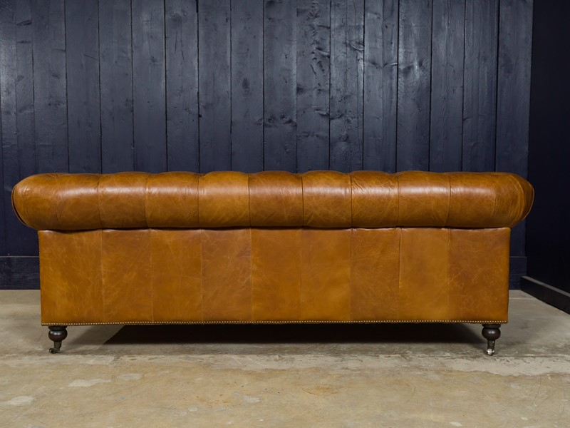 3 Seater Chesterfield Sofa-pure-white-lines-pwl-190504---img-0297-main-636933577496258000.jpg