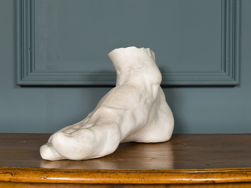Large Foot Study-pure-white-lines-pwl-191214---img-5600-main-637126144644821967.jpg