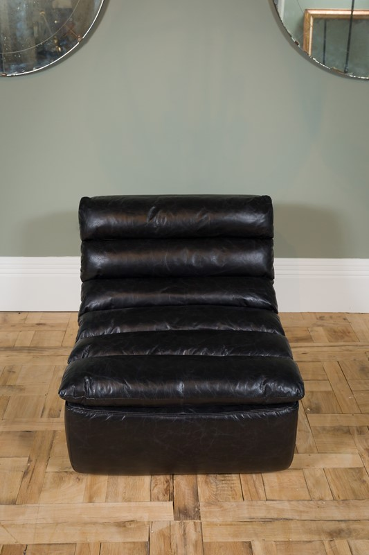 Modern - Black Dalston One Seater Sofa-pure-white-lines-pwl-200523---img-8442-main-637267059067679285.jpg