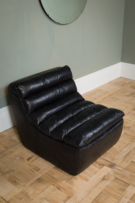 Modern - Black Dalston One Seater Sofa-pure-white-lines-pwl-200523---img-8443-main-637267059083148332.jpg