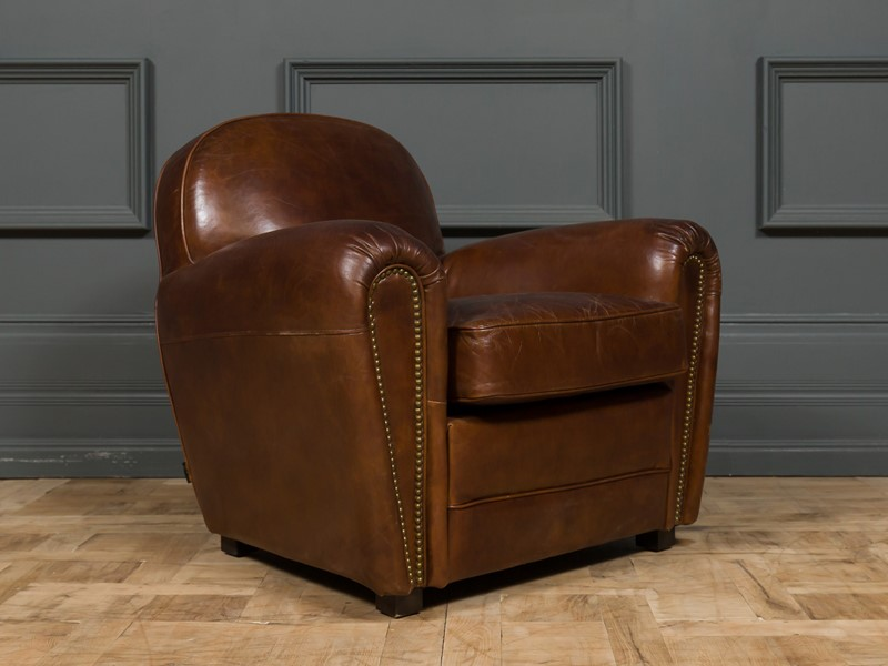 Modern - Mackintosh Leather Club Chair-pure-white-lines-pwl-200719---img-1004-main-637355155002073638.jpg