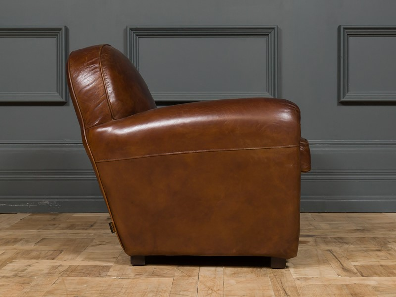 Modern - Mackintosh Leather Club Chair-pure-white-lines-pwl-200719---img-1005-main-637355154980198758.jpg