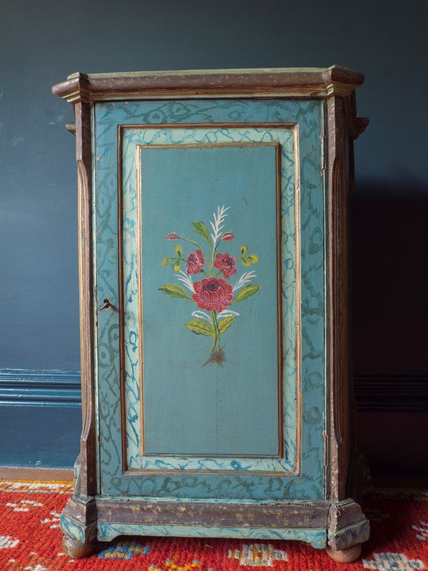 18th century Painted Faux Marble Vitrine-roche-coward-antiques-18th-century-venetian-vitrine-00010-main-637243778466917921.jpg