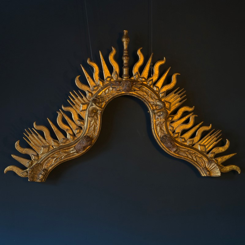 18th Century Giltwood Sunburst Surmount-roche-coward-antiques-carved-giltwood-surmount-00001-main-637405451426258011.jpg