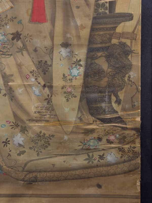 19th Century Full length Japanese Portrait on Silk-roche-coward-antiques-meiji-japanese-full-length-silk-portrait-00006-main-637209878899248355.jpg