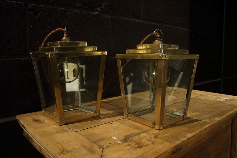 Pair of Brass Lanterns.-room-2-main-637073682697587367.jpg