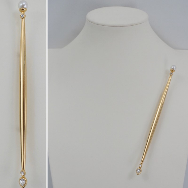 Butler pin gold plated sceptre rhinestones-roomscape-image1-main-637121641379744754.jpeg