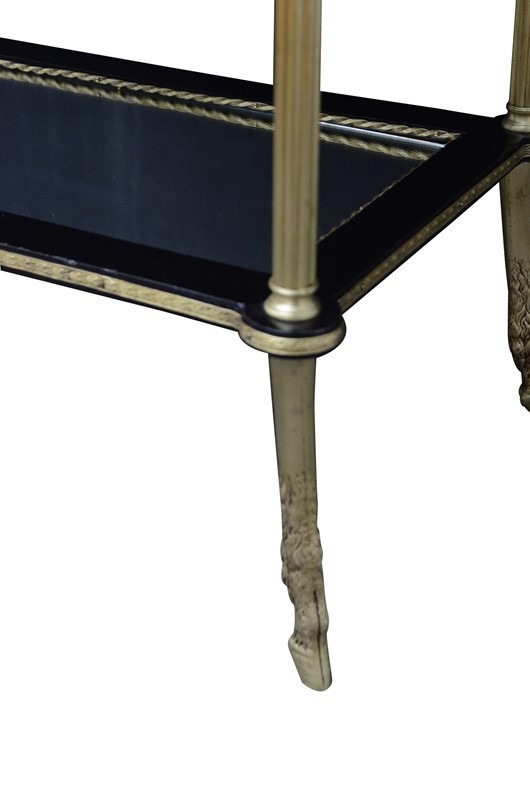 Attractive 19th Century Occasional Table in Thuya -spinka-co-7-main-637086568062501848.jpg
