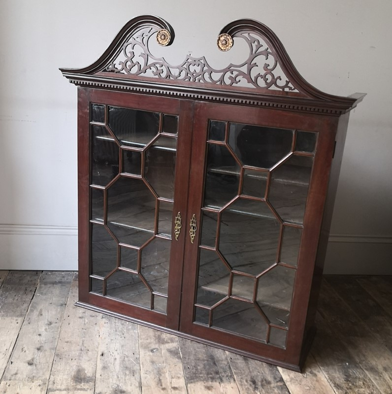 George III cabinet-tales-from-the-rookery-img-20191109-090725-main-637089008903993846.jpg