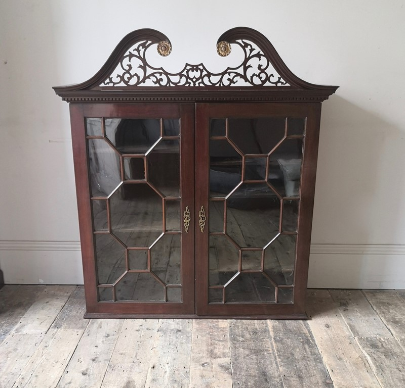 George III cabinet-tales-from-the-rookery-img-20191109-090820-main-637089008973217086.jpg