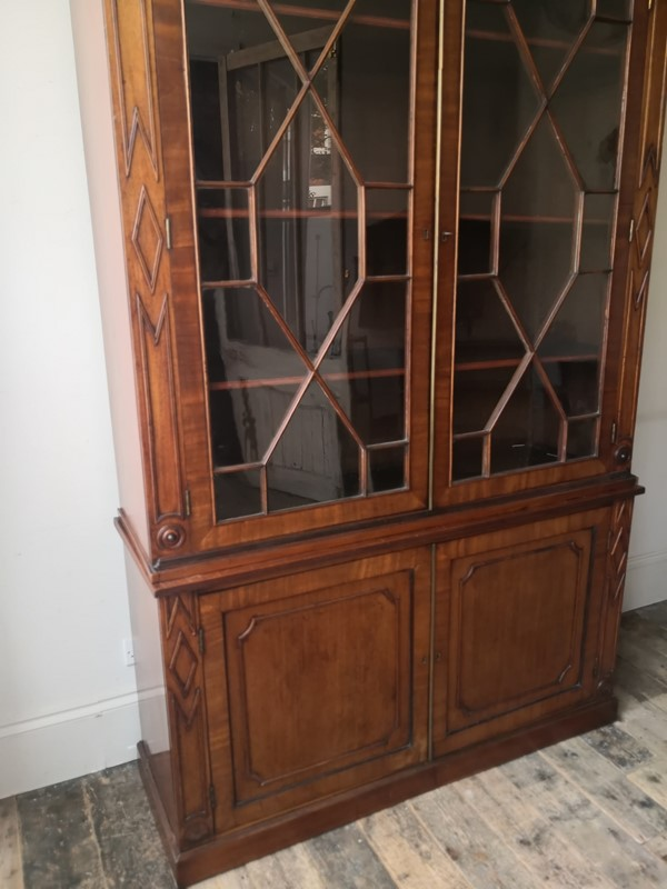 A very stylish Regency Bookcase-tales-from-the-rookery-img-20191109-092140-main-637088903993589462.jpg