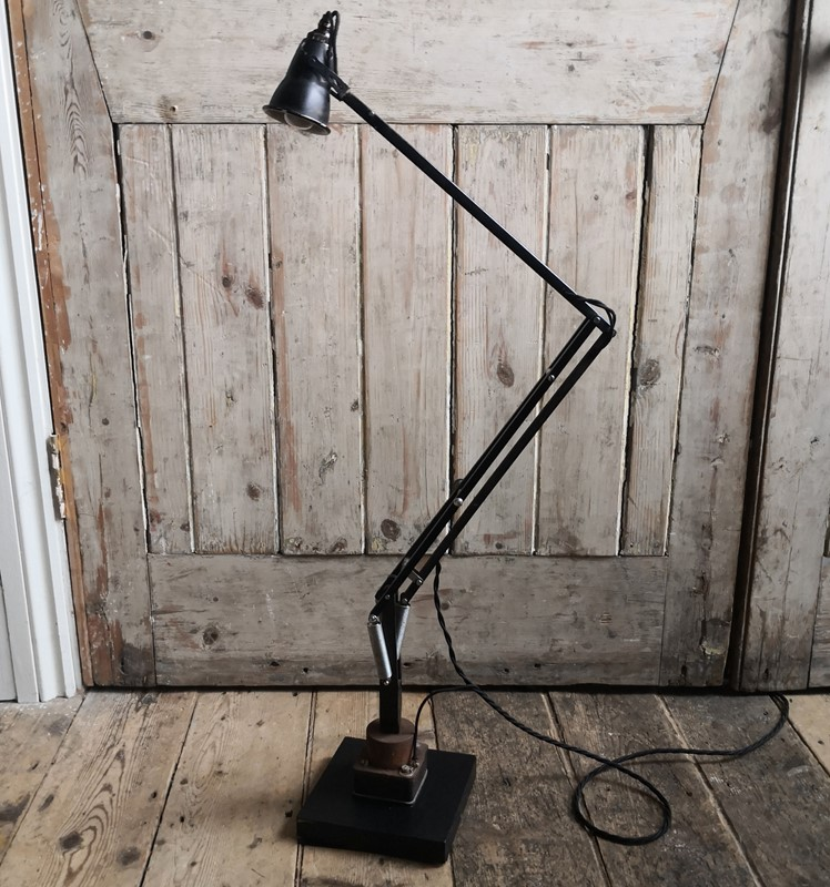 1940s work bench Anglepoise lamp-tales-from-the-rookery-img-20191121-102834-main-637102785430810318.jpg