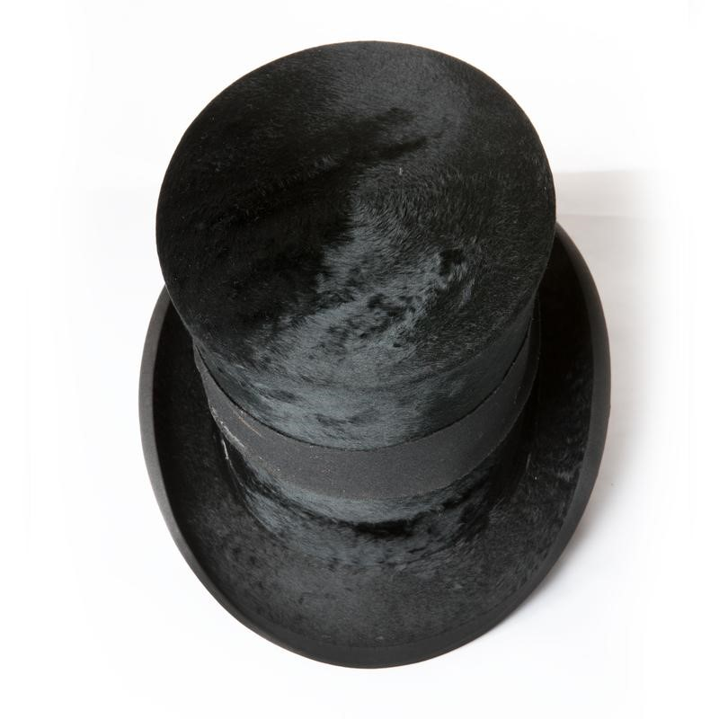 Antique top hat with leather hat box-the-architectural-forum-antique-top-hat-box-800x-main-636808338761411393.jpg