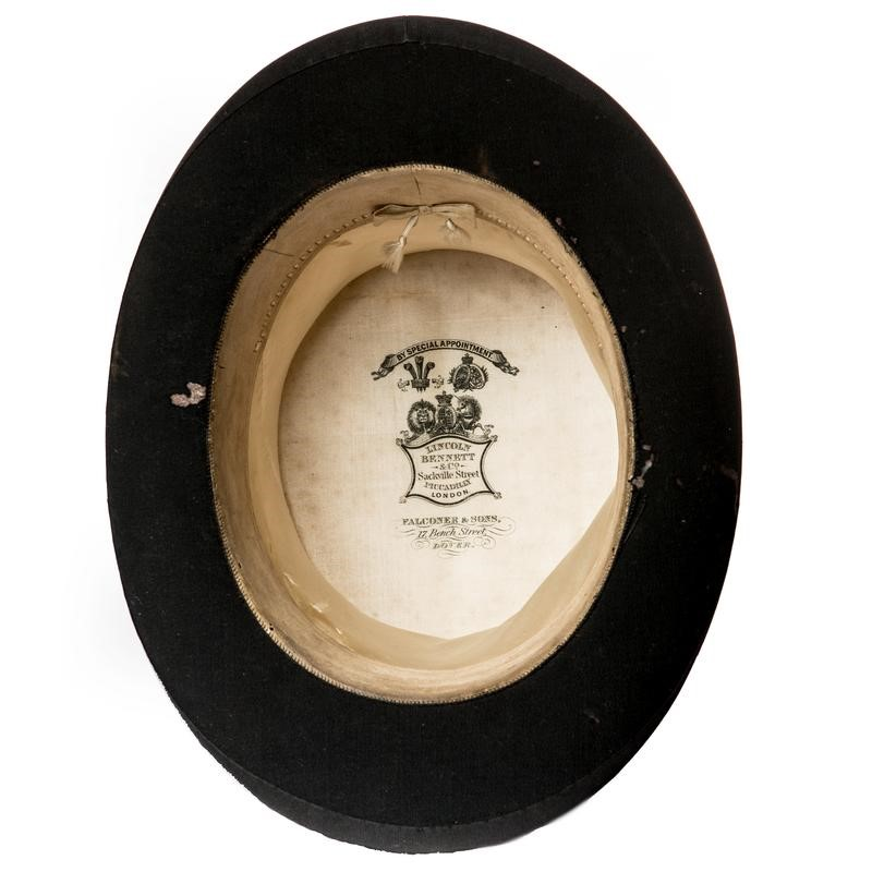 Antique top hat with leather hat box-the-architectural-forum-original-top-hat-vintage-800x-main-636808338769067750.jpg