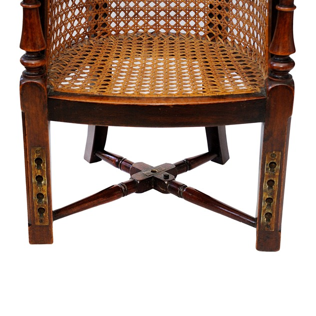 George III Mahogany Childs Chair & Table-the-decorator-source-324E_main_636177574808880861.jpg