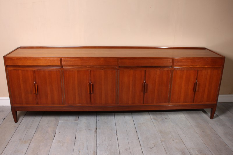 Vintage Mid Century Teak Sideboard c1960-the-furniture-rooms-img-2827-main-636854887132622995.jpg
