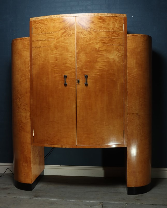 Art Deco Cocktail Cabinet in Sycamore c1930-the-furniture-rooms-img-3612-main-637077605747278664.jpg