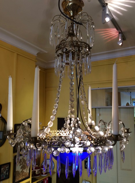 chandelier-the-lacquer-chest-IMG_6974_main_636543827489862858.jpg