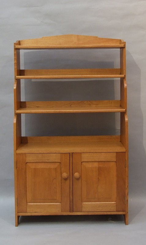 An oak Arts & Crafts bookcase -the-millinery-works-s6765-1-main-636901517447371394.JPG