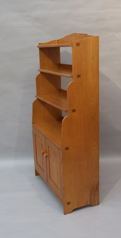 An oak Arts & Crafts bookcase -the-millinery-works-s6765-2-main-636901517645338479.JPG