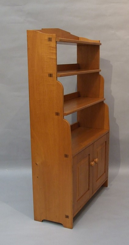 An oak Arts & Crafts bookcase -the-millinery-works-s6765-3-main-636901517639401742.JPG